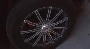 Ford Fiesta Max ()