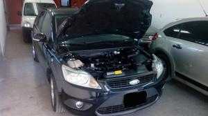 Ford Focus 1.6 Gasolina,5 Ptas.c/ 2 Lev