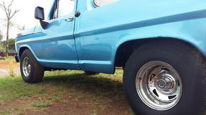 Ford F100 Motor V8