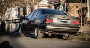 BMW 328i ()
