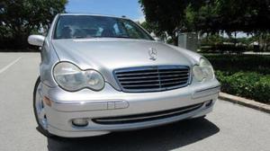 Mercedes Benz Clase C C230 usado  kms