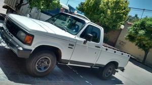 Vendo Camioneta Chevrolet D20 de Luxe