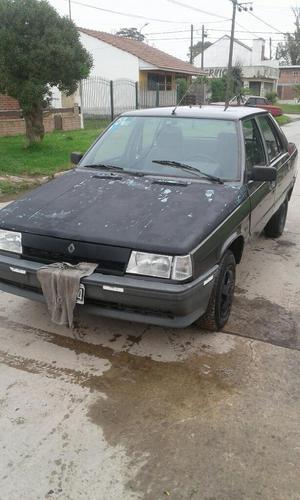 Vendo Renault 9 con Gnc Tomo Moto