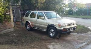 Nissan Pathfinder ()