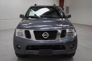 Nissan Pathfinder 3.3 SE usado  kms