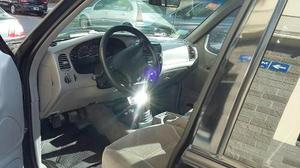 Ford Explorer XLT 4x2 usado  kms
