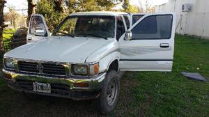 Toyota Hilux SR-5 4x4 SC usado  kms