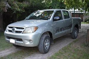 Toyota Hilux 2.5 4x2 DX DC