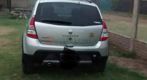 Renault Sandero Stepway ()