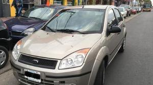 Ford Fiesta Max Ambiente usado  kms
