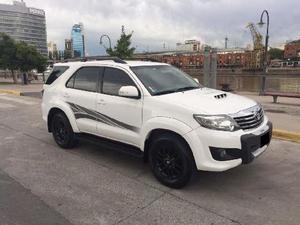 Toyota Hilux SW4 3.0 Cuero usado  kms