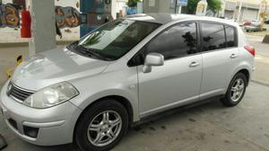 Vendo Nissan Tiida 5 Puertas