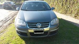 Volkswagen Vento 2.5 Luxury Tiptronic usado  kms