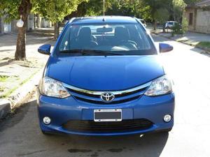 Toyota Etios XLS usado  kms