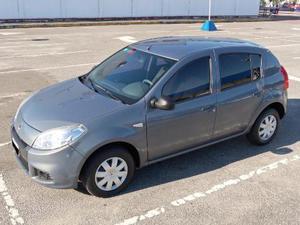 Renault Sandero Confort 1.6 usado  kms