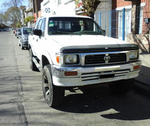 Camioneta Toyota Hilux /, D/Cabina, 4x4