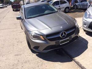 Mercedes Benz Cla 200 Urban Gris Oscuro Cuero Auto