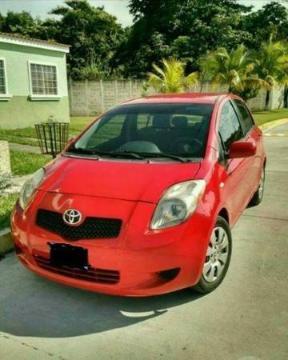 Toyota Yaris 1.5 CVT usado  kms