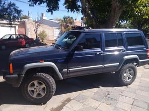 Vendo Jeep Cherokee Sport  con GNC en muy buen