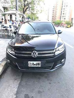 Volkswagen Tiguan 2.0 TSI Premium MT (L11)
