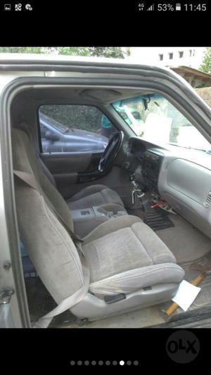 Ranger Cabina Y Media V6 con Gnc