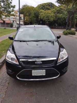 Ford Focus II GHIA 2.0