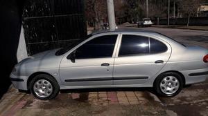 Renault megane  c/gnc 16 mts