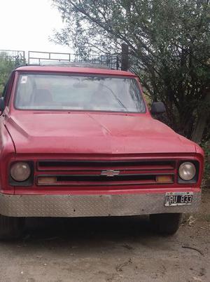 vendo camioneta Chevrolet CS mod 68 con GNC