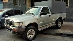 Toyota Hilux 3.0 4x2 STD SC AA usado  kms