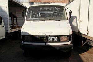 Camion Tata 609