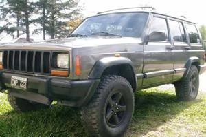 Jeep Cherokee Sport diesel 4x4 caja manual  con