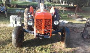 Vendo Tractor Ferguson con Motor Indenor