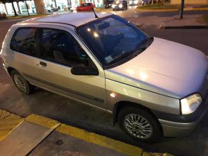 Vendo Renault clio 96