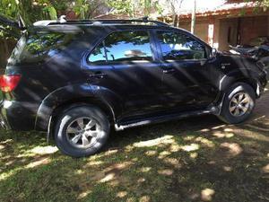 Toyota Hilux SW4 V6 Cuero usado  kms