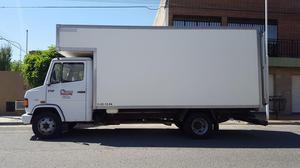 VENDO CAMION MERCEDES 710 IMPECABLE UNICO DUEÑO CON
