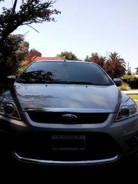 Ford Focus Ghia Nafta 2.0L usado  kms