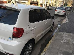 Volkswagen Fox Highline 5P usado  kms