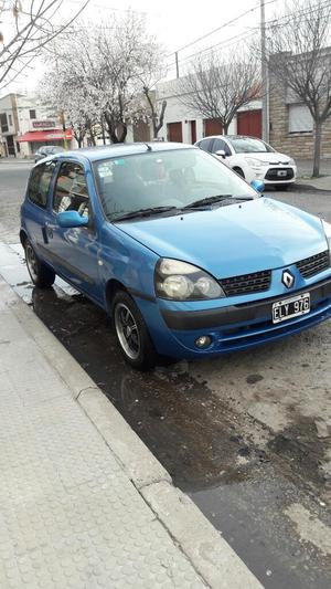 Clio  V. 115mil Km. Nafta.