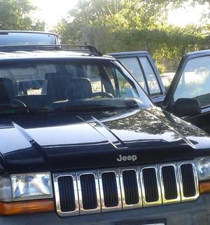 Jeep Grand Cherokee 4x4 Excelente Estado / Acepto Moto menor