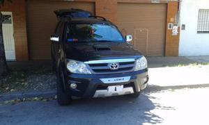 Toyota Hilux SW4 full