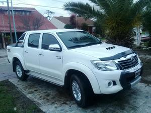 Vendo Permuto Toyota Hilux 4x2 Srv 4x4 a