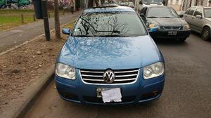 Volkswagen Bora 2.0 Trendline usado  kms