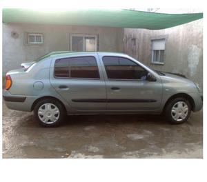 Renault Clio 2 1.2 Tricuerpo.
