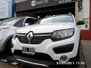 Renault Sandero Stepway v. Luxe