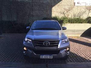Toyota Hilux SW4 3.0 usado  kms