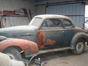 Cupe Chevrolet 39 para restaurar