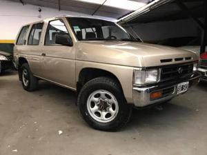 Nissan Pathfinder 2.7 usado  kms