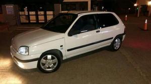 Vendo Renault Clio. Nafta 1.6 Vtv