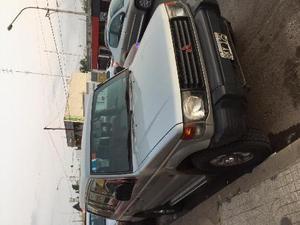 Mitsubishi Montero 2.5 GLX usado  kms