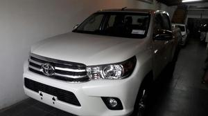 Toyota Hilux Srv 4x4 0km